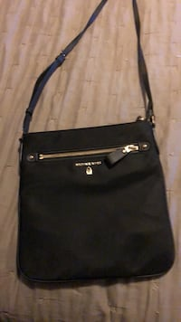 black leather Michael Kors crossbody bag Toronto, M1E 1L8