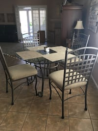 Glass kitchen table 4 chairs  Indio, 92203