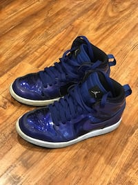 purple-and-blue Nike Air Foamposite shoes Los Angeles, 91325