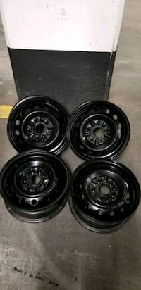 4 rim 14x5.5 $80 for all 4