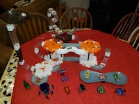 Hex Bug Set.  Great condition, batteries will need to be replaced. Pleasant Prairie, 53158