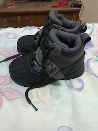pair of black Nike basketball shoes Clarksville, 37042