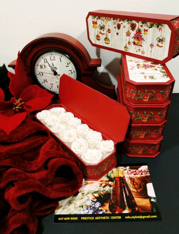 Gift set for your friends and family af2d6a1c-db4c-4e16-8188-ce1d6f7c0e64