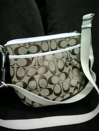 Coach Crossbody Bag - good as new Surrey, V3R
