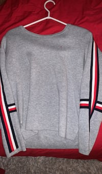 Tommy women's crew neck Cambridge, N3C 1M4