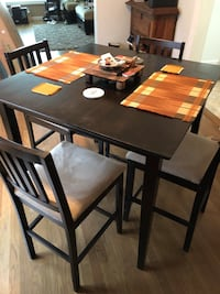 Wood table with four chairs 2385 mi