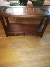 Console Table Greater Landover, 20785
