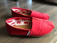 Women's Toms red size 7 shoes Vaughan, L6A 4G5