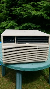 Electrohome window A/c 8000 BTU