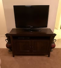T.V Stand 4 months old out the box... got it in june... paid $240 Zachary, 70791