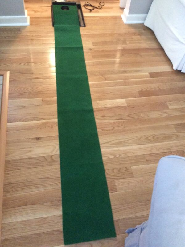 Golf putt putt practice anywhere! Great condition, used once, works great. Pickup in Falls Church . a558a7d1-fd7f-4c51-a38d-813c892bd914
