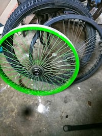 green and black bicycle wheel Bakersfield, 93304