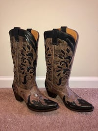 Exclusive Buckle Boots