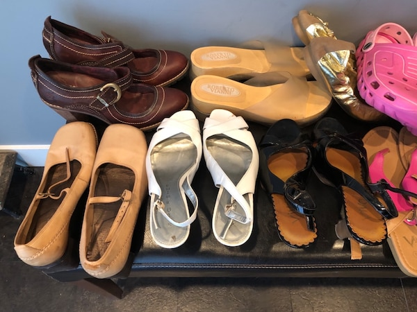Bulk 13 pair shoe lot . Mostly size 7 , and 8 1