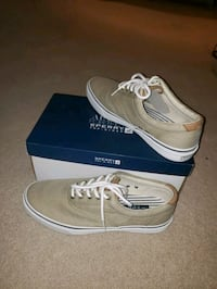 pair of Tan Sperry low top boat shoes size 12 Owings Mills