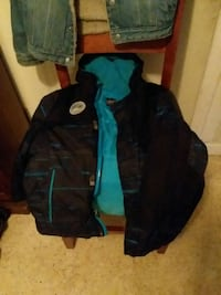black and blue zip-up jacket Beverly Hills, 34465
