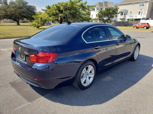 2013 BMW 5 Series 528i xDrive AWD Only 85K Miles - VERY CLEAN ! 4