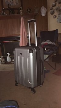 Silver/Gray Luggage SuitCase  Morrison, 37357