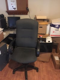 Rolling office chairs in great shape!!!