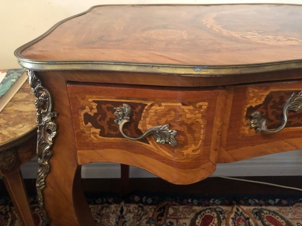 Antique French desk delivery available.. 3709a5c5-2c04-4871-b875-a6238faec89b