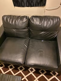2 piece couch set Baltimore, 21222