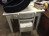 Pottery Barn Kids Drawing Desk with chair New Albany, 43054