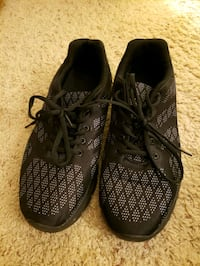 Boys/Mens shoes size 9 1/2 Omaha, 68135