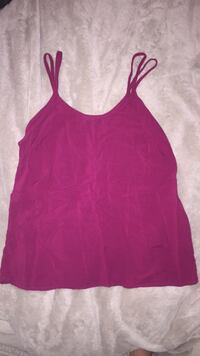 Burgundy tank top  Winnipeg, R2X 1Z4