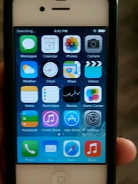 IPhone 4 unlocked  New Westminster, V3M 3Y5