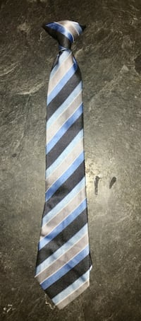 boys clip on tie in great condition. New York, 11373