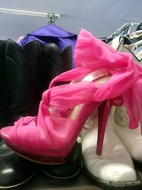 pair of pink high shoes Harlingen, 78550