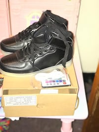 pair of black leather work boots Troy, 12182