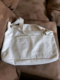 Brand new large faux leather white purse Surrey, V4N 0X8