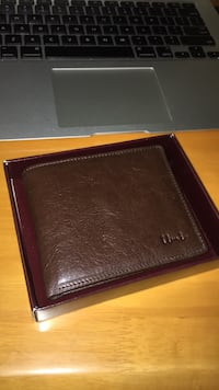 Umi genuine leather wallet never used still with tags 546 km