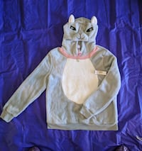 50% off!! Cat pullover. New - Tags Attached Casper, 82604