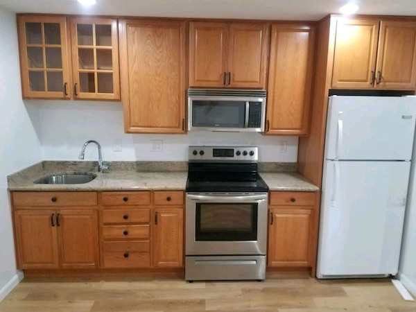 Private Basement Apartment for Rent t 1BR 1BA
