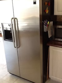 Stainless steel side-by-side refrigerator with dispenser Vaughan, L4H 1N6