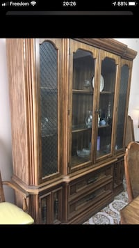 Dining room table/ China cabinet Hamilton, L8L