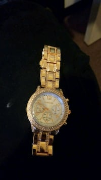 round gold chronograph watch with link bracelet Corner Brook, A2H 2C7