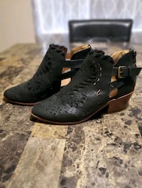 Womens size 7.5 Tulare, 93274