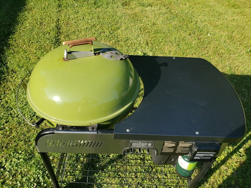 Grass green Weber performer  4