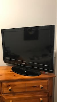 32in Samsung LCD TV Chicago, 60622