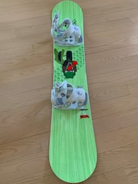 green and white snowboard with bindings Park Ridge, 60068