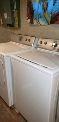 MAYTAG, SET ELECTRIC WASH AND DRYER MACHINE