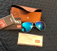 Blue ray-ban aviator sunglasses with gold-colored frames Baltimore, 21224