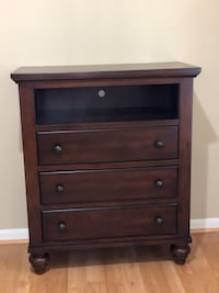 Wood Media TV Stand Armoire Chest Dresser   Ashburn, 20148