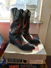 pair of black leather cowboy boots Brentwood, 20722