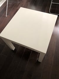 rectangular white wooden coffee table Toronto, M6H 1Y5