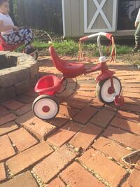 toddler's red and white Radio Flyer trike Remington, 22734