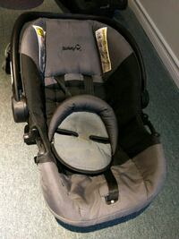 Car Seat Stage 1 - Safety 1st like new condition